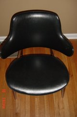 1 Kodawood Clam shell Arm Chair in Orland Park, Illinois